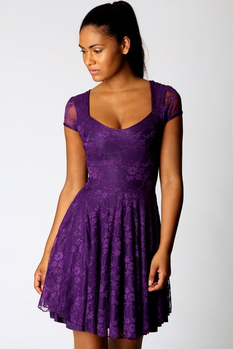 Royalty saw purple clothing as a symbol of their socioeconomic status, and soon