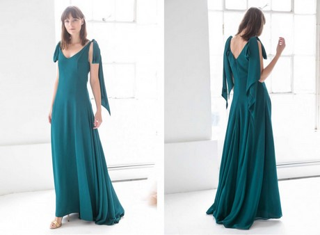 Sexy Spaghetti Straps Tulle Long Bridesmaid Dresses 2019 V Neck Pleats  Floor Length Beach Garden Maid of Honor Gowns Cheap Prom Dresses a6e1ea06005a