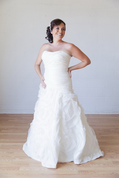 rent a wedding dress wedding dresses rental wedding dresses asian 7059